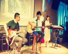 木鱼民谣、电吉他老师与古筝老师合奏